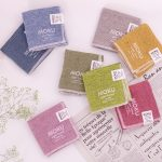 いつも手元に置いておきたい、カラフルでシンプルなタオル、MOKUのタオルシリーズ。