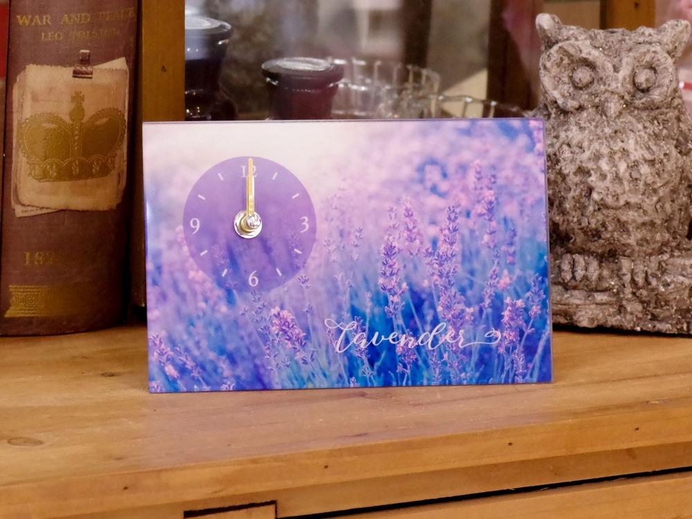 そこにあれば華やかになる。そんな春らしい、新生活にオススメな置時計が人気です。2